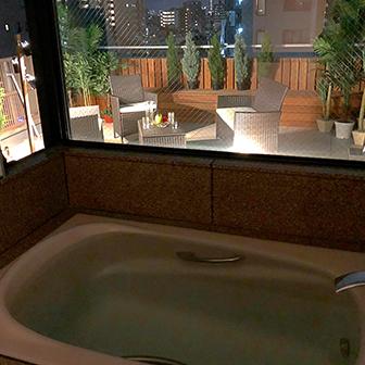 9F バスルームからの夜景