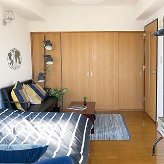 寝室Aセミダブルベッド