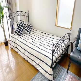 寝室Aシングルベッド