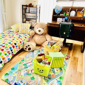 個室B学習机のある子供部屋