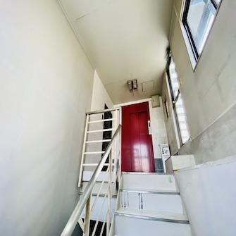 4階玄関前階段